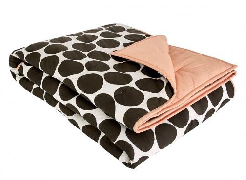Monochrome spot bedspread