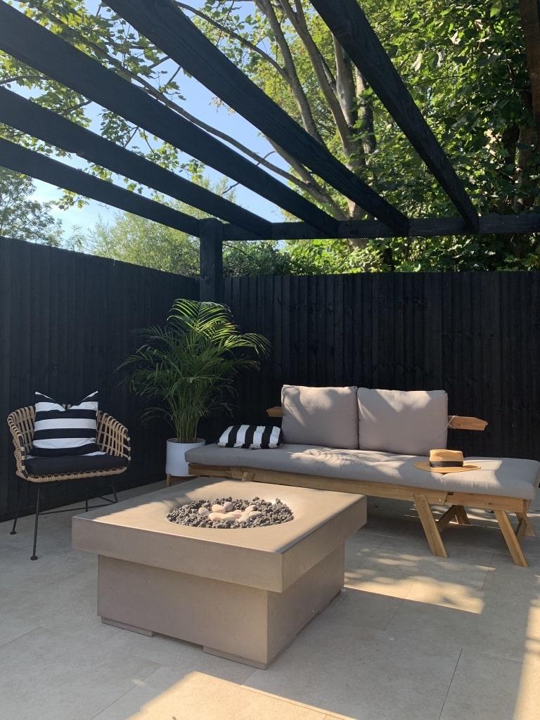 Chelsea & Mr S Black Themed Home 9